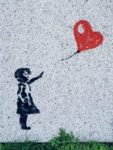 Banksy Mädchen lässt roten Luftballon los